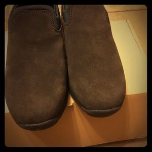Lands' End  All Weather Suede Moc Shoes Size 10w.